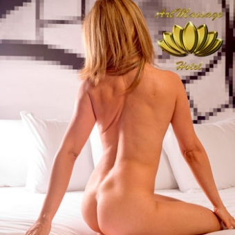 Cristina - Masajista erótica de lujo 24 horas